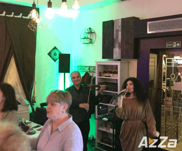 Roxana Solista Muzica Usoara - Pana Marian Violonist