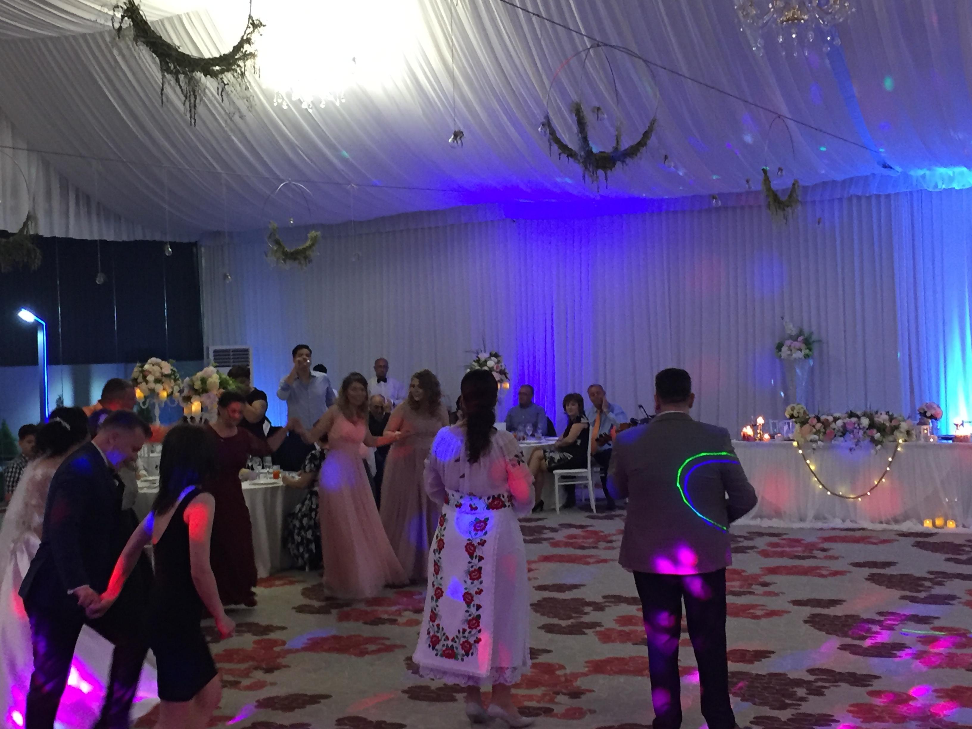 Muzica populară la #nunta