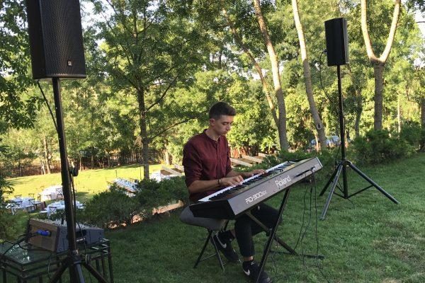 Modern Pianist Ceremonie Nunta