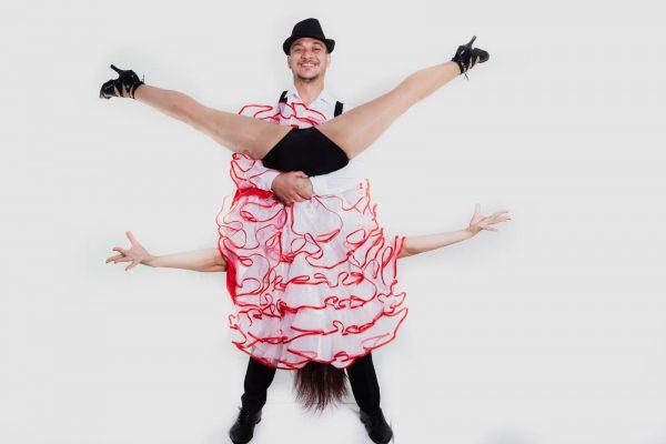 Dansatori Evenimente Cabaret Bucuresti