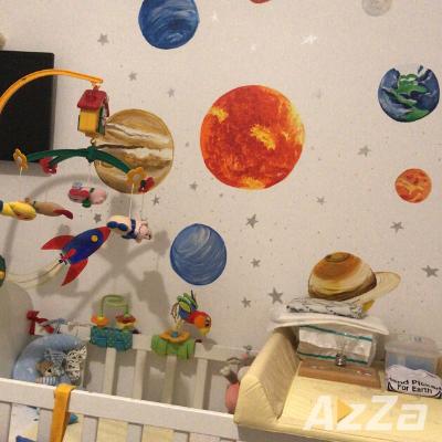 Pereti pictati planete  - Pictura pe pereti in camera copiilor.